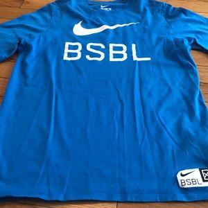 Boy's Nike XL blue baseball graphic t-shirt